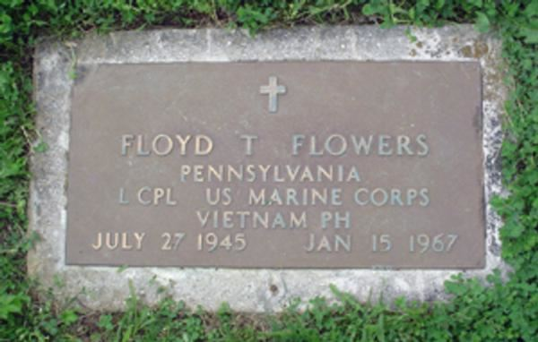 16513_FLOWERS - Grave Plate2